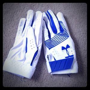 NWOT Under Armour Kids Golf Gloves